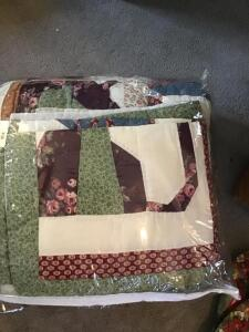 New king size quilted bedspread with shams