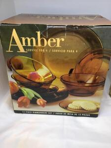 Amber 12 pc dinnerware set